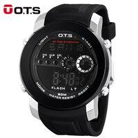OTSยอดนิยมแบรนด์หรูผู้ชายดิจิตอลนาฬิกาบิ๊กใบหน้าแบบDialดำน้ำวิ่งกันกระแทกกันน้ำนาฬิกากองทั...