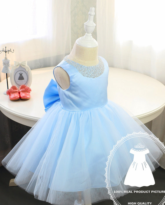 цена  2017 Arab sky blue baby girl dress with bow beaded crystals tull ball gown toddler pageant dress kid 1st birthday party outfits  онлайн в 2017 году