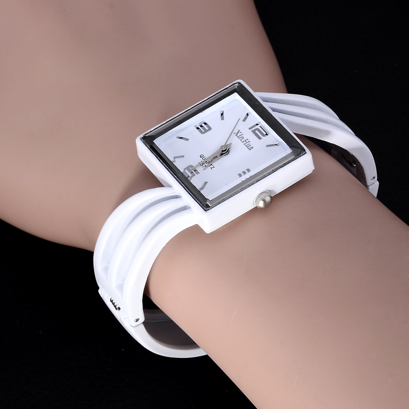 2019 New Xinhua Women Dress Watches Fashion Cat's Whiskers Bracelet Design Unique Watch For Girls Ladies Atmos Clock Female