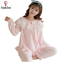 2017 Autumn And Winter Coral Cashmere Ladies Pajamas Long Sleeves Sweet Cute Warm Thicken Flannel Home