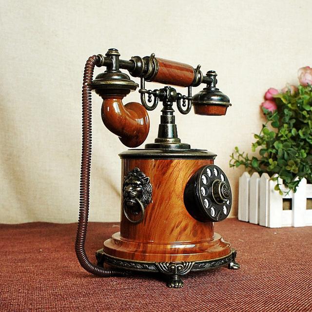 Retro Metal Telephone Decorative Figurine