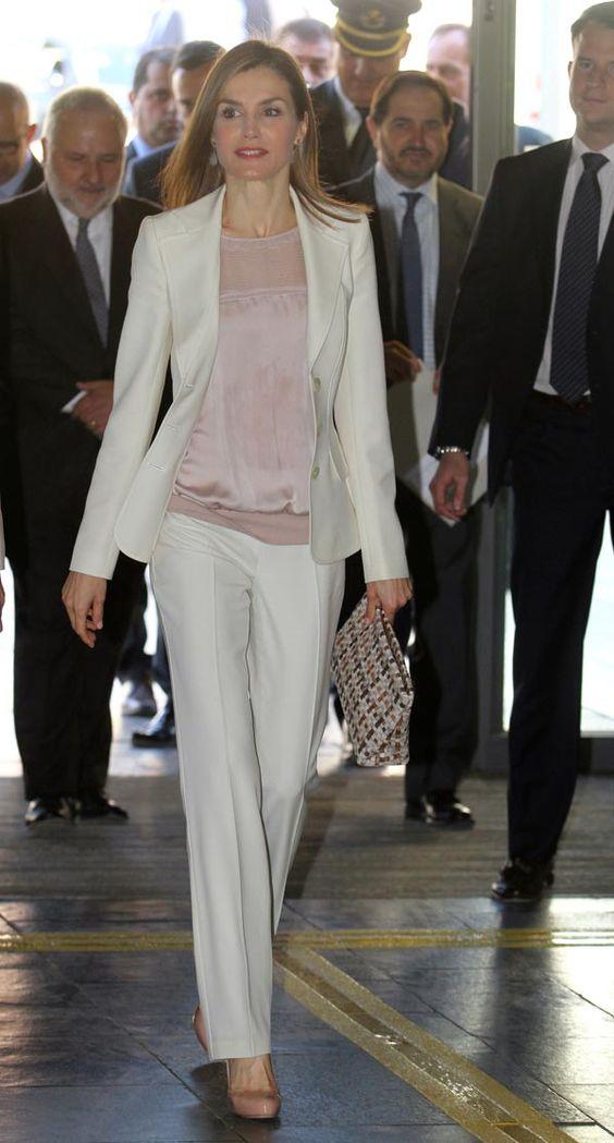 100% Wahr Jacke + Pants Frauen Elfenbein Anzug Business Formelle Uniform Style Slim Fit Blazer Büroarbeit Set Damen Abend Outfit W237