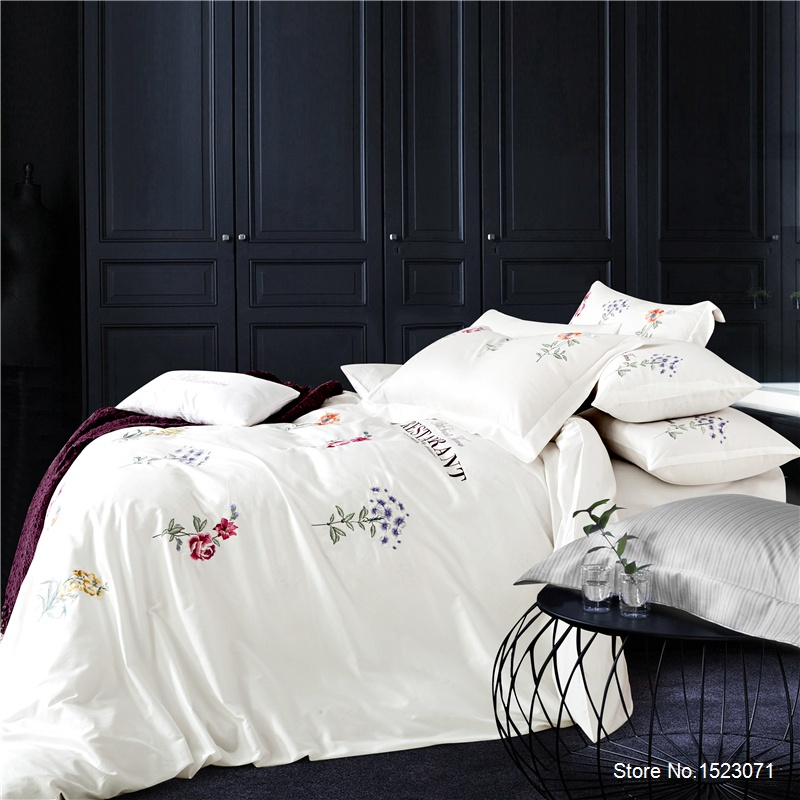 Luxury embroidered white purple 3D bedding sets gray blue red bed linen flower butterfly duvet cover sheet sets 100% cotton 4pcs