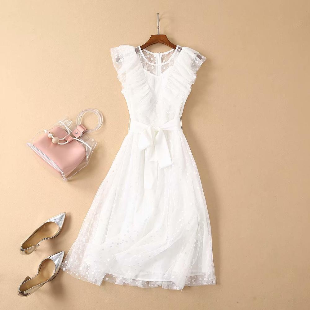 Vêtements pour femmes européennes et américaines 2019 été nouveau style Net fil vague point à lacets robe blanche à la mode