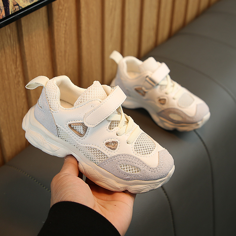 2019 spring and summer new ins boys breathable mesh sports shoes boys and girls hollow running shoes in Sneakers from Mother Kids