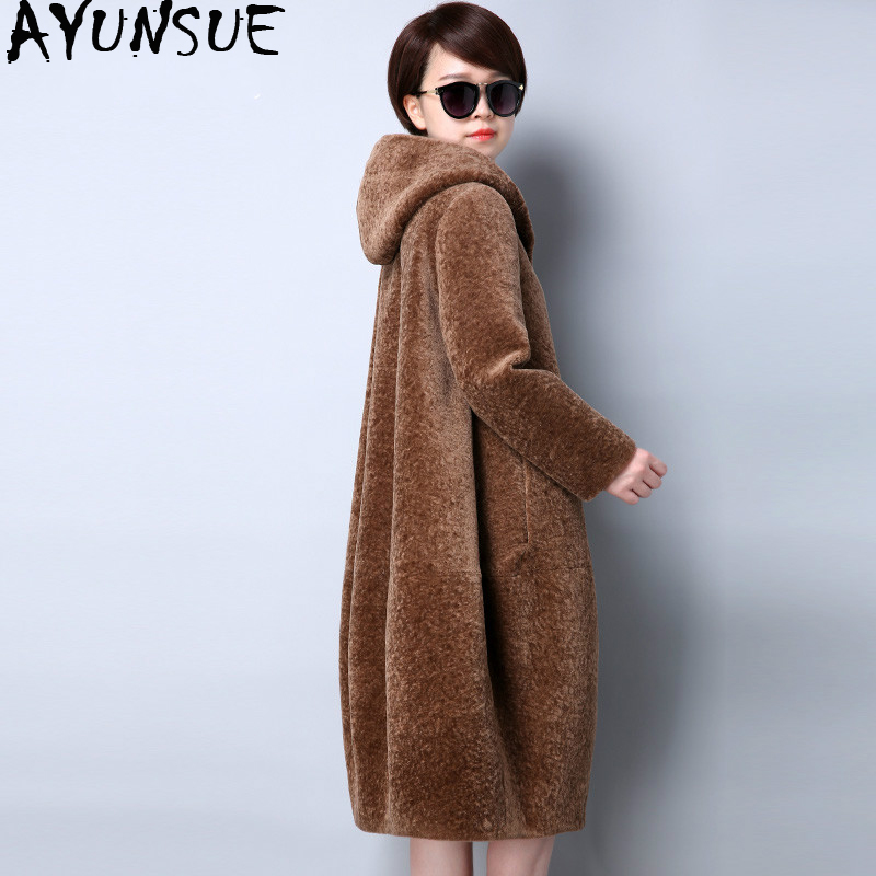 AYUNSUE Real Fur Coat Sheep Shearing 100% Wool Coat Women Plus Size 2019 Winter Cloak Female Jacket Hooded Abrigos Mujer KJ545