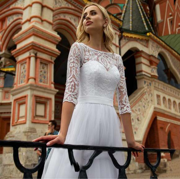 Charming Tulle A line Lace Top Wedding Dresses Half Sleeve Sweep Train Bridal Gowns Country Garden Bridal Dresses in Wedding Dresses from Weddings Events