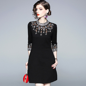 Image 2 - גברת מילאנו 2020 נשים O צוואר 3/4 שרוולי חרוזים Rhinstones אלגנטי גבוהה רחוב אופנה מסלול מעצב קצר שמלות