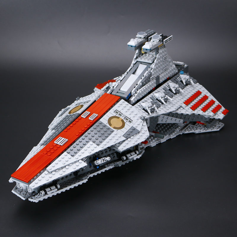 IN STOCK New Lepin 05042 1200PCS New Star War Series The Republic Fighting Cruiser Set Building Blocks Bricks Educational Toys concept driven 2sc0435t 2sc0435t2a0 17 new stock