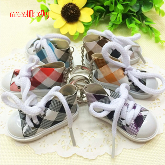 100pcs Lot Mini Canvas Sneaker Shoes keychain Cute Gifts Shoe Keychain  Tennis Sport Shoes Keyring 5bf97761064a