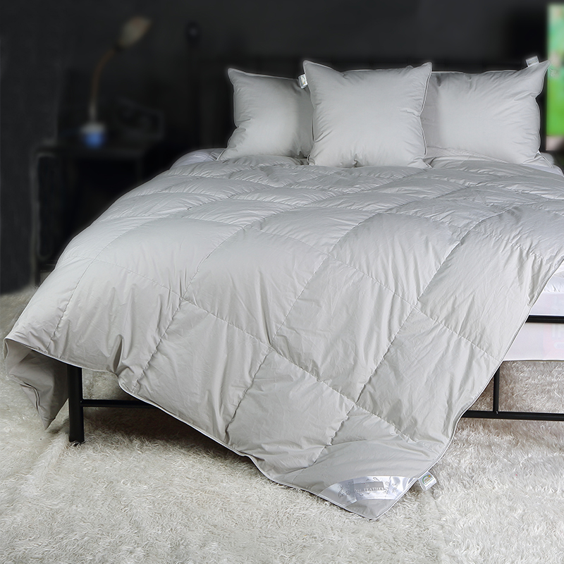 goose feather and down duvets hungarian goose down duvets rose feather real 100 white goose. Black Bedroom Furniture Sets. Home Design Ideas