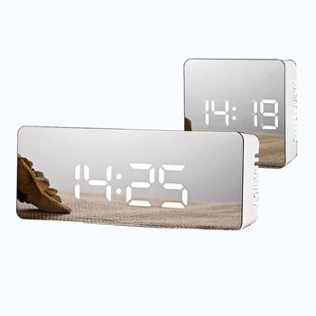 Lustrzany budzik led zegar cyfrowy zegar drzemki obudź światło elektroniczny wyświetlacz temperatury w dużym czasie zegar dekoracyjny do domu tanie i dobre opinie Plac 55mm DIGITAL 150g 140mm Budziki Luminova Kalendarze Z tworzywa sztucznego 36mm Nowoczesne Funkcja drzemki Pojedyncze twarzy