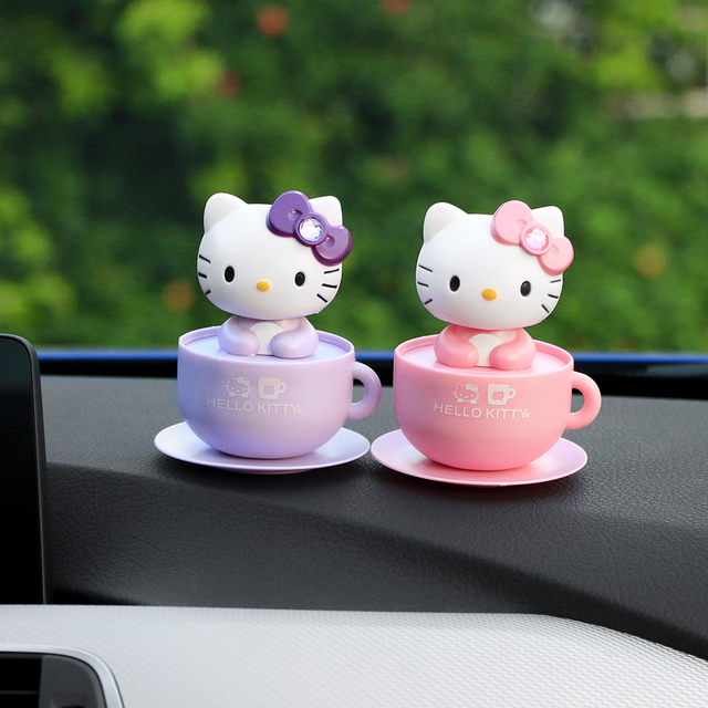 Car Ornament Shaking Head Bow Cat Automobiles Decoration Solar Power Smart Cartoon Cup Ornament Lovely Cute Doll Car Accessories