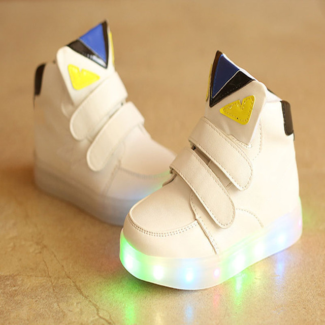 2018 European Fashion illuminato LED del bambino incandescente sneakers  Elegante belle ragazze dei neonati bambini scarpe 8700dbd4692