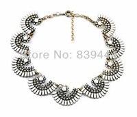 Nouveau style or couleur forme fan alliage cristal choker collier classique costume collier blanc clair
