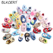 цена на Famous Brand Shoes Newborn Baby Shoes Infant Cartoon Loafers Soft Sole Sneakers Girl Crib Shoes Toddler Boy Slippers 0-12 Months