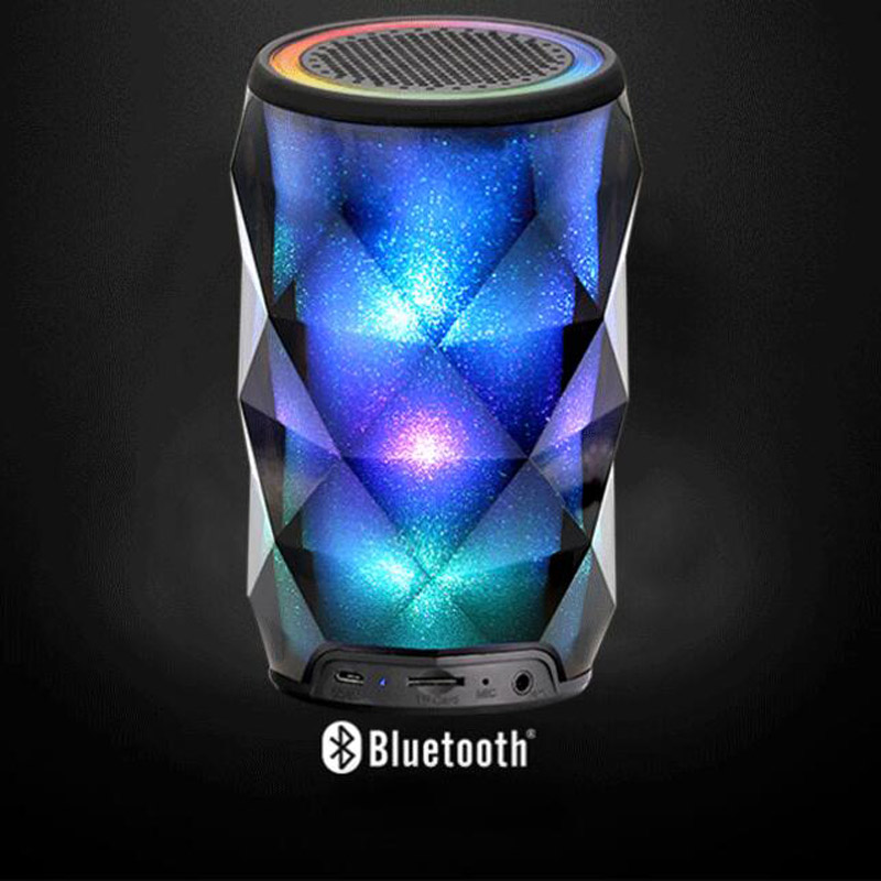Portable intelligent wireless Bluetooth speaker HIFI stereo bass effect multi-function color light