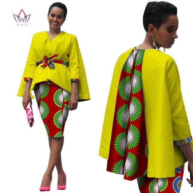 Afrique Style Femmes Africain Vêtements Deux Pièces Ensemble Robe Costume  pour Femmes Tops Veste et Jupe D impression Bazin Riche Vêtements WY809 c479741470e