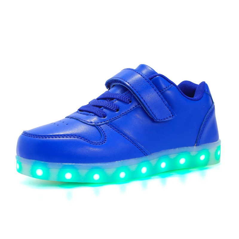 все цены на 2018 USB Charging Led luminous Shoes For Boys girls Fashion Light Up Casual kids Sole Glowing Children Sneakers Free shipping онлайн