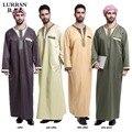Fuente de la Fábrica LURRSN Árabe Musulmana de Oriente medio Tamaño Grande 3XL hombres Thobe Jubba Super Alta Calidad Túnicas Vestido de Lino de Algodón TH802