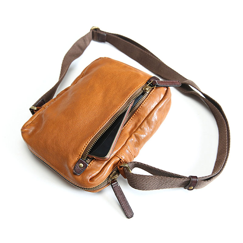 AETOO Men's shoulder bag leather Messenger bag small men's bag retro casual youth mini soft leather bag trend