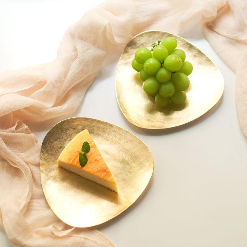 Plaque de rangement de Table en métal faite à la main Triangle de mode en laiton Dessert bijoux plateau de rangement de bureau organisateur décoration de mariage