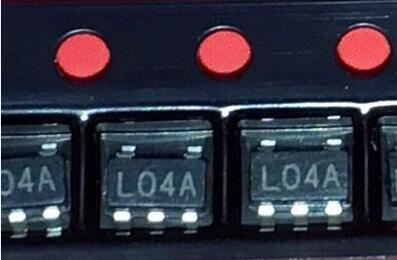 10 шт. LP2981AIM5-3.3 L04A LP2981AIM5 LP2981 SOT23-5 регулятор микромощности 100 мА