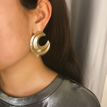 Exaggerated Vintage Big Crescent Moon Stud Earrings for Women Fashion Modern Gothic Jewelry Female Accessories Oorbellen