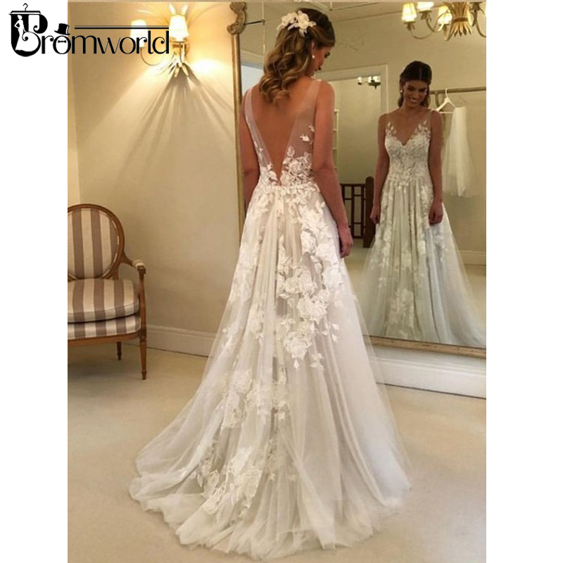 Beautiful Beach Wedding Dresses 2019 V-Neck Flowers Lace Bridal Dress Backless Vestido De Noiva Princesa Tulle Wedding Gowns