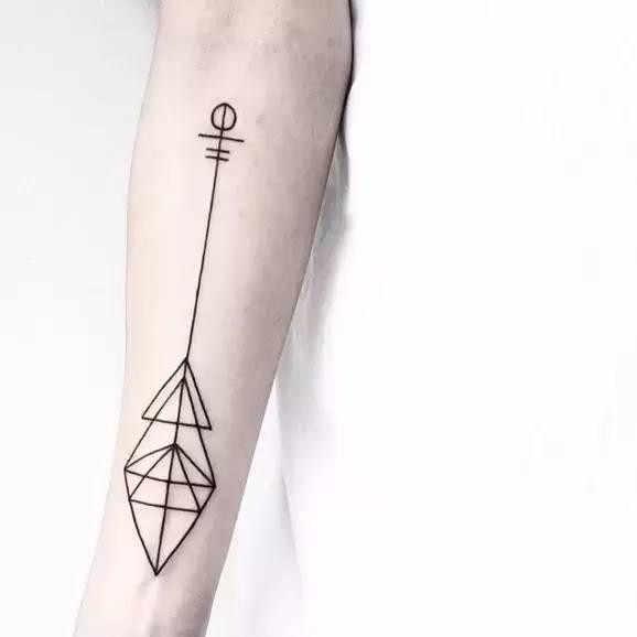 bd84312a97648 Waterproof Temporary Fake Tattoo Stickers Cool Black Geometric Arrow Brief Design  Body Art Make Up Tools