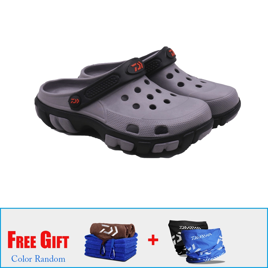 3ae785909cb0 2018 Daiwa Men's Summer Beach Sandals Non Slip Garden Clogs Lightweight  Fishing Shoes Breathable Sandals Quick Drying Water Shoe-in Beach & Outdoor  Sandals ...