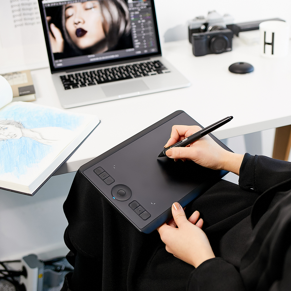 Wacom Intuos Pro Creative stylo tablette graphique dessin tablettes (PTH-460 petit) 8192/multi-touch/sans fil Bluetooth - 5