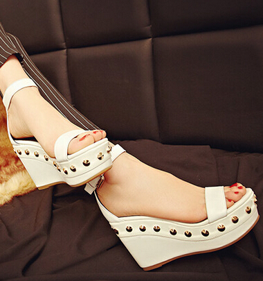 Wedges High Heel  Peep Toe Ankle Wrap Rivets 2017 Summer New Arrival Women Fashion Sandals Shoes Size 34-39 SXQ0609 gladiator women new arrival summer wedges chunky heel ankle wrap fashion casual sandals shoes plus size 34 43 sxq0610