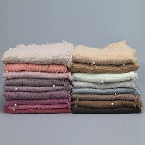 Image 2 - 女性ファッションバブル綿ビーズリンクルスカーフショール無地しわパールラップスカーフパシュミナスカーフ教徒のヘッドバンドヒジャーブ 190*100 センチメートル