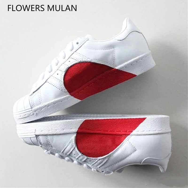 2018 New Popular Unisex Casual Shoes Mixed Color Red Heart Couple Flats Shoes Lace Up Round Toe Brand Luxury Model Shoes Sneaker women sneaker cow really leather flats luxury brand designer shoes casual shoes new fashion model confortable shoes lady