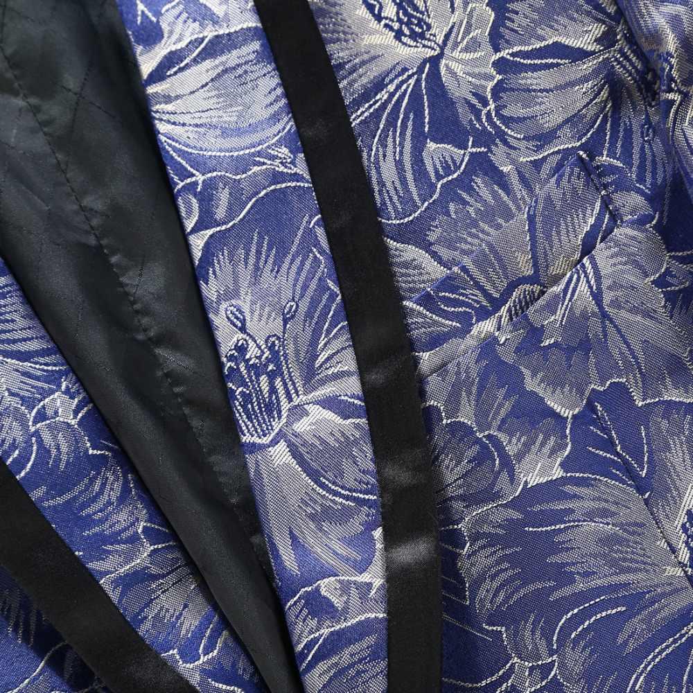 Nowa moda szal Lapel niebieski kwiatowy wzór żakard bankiet śpiewaków Slim Fit garnitur mężczyzn kostium Homme najnowsze wzory płaszcz Pant