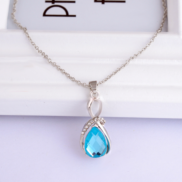 Droplets crystal necklaces pendants