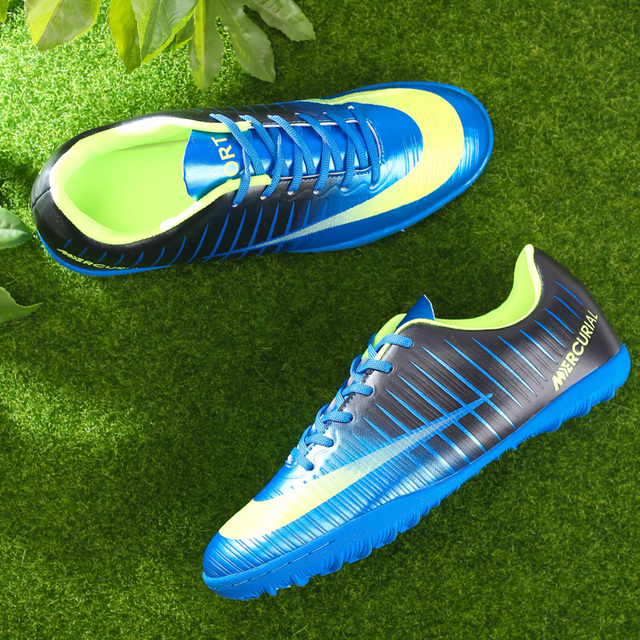 ecb33a5f207 Men Soccer Shoes Sport Ronaldo Breathable Women Spikes Professional Kids  Boys Superfly Cleats CR7 TF Turf Football Sneakers