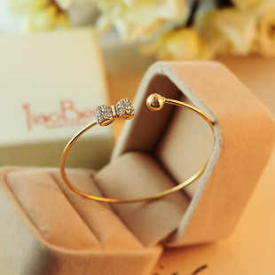 Grosir Fashion Penuh Crystal Busur Peach Gelang Semi Terbuka Arc Adjustable Gelang