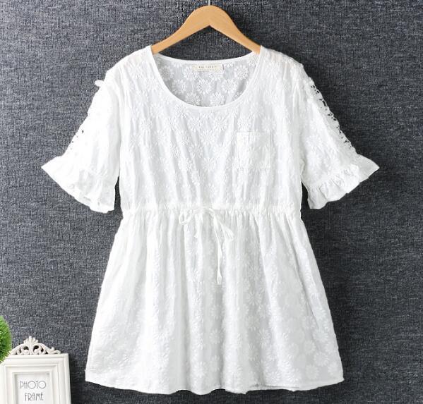 Flores de color blanco bordado o-cuello corto manga de la vendimia camisa de la