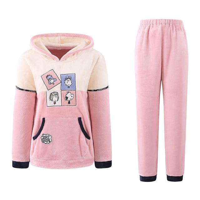 18c52bdf96 Invierno Pijamas Mujer suave Pijamas Mujer capucha coral Polar de la historieta  pijamas set mantener caliente