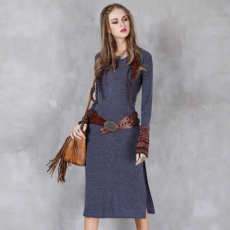 Шерстяные платья с вышивкой