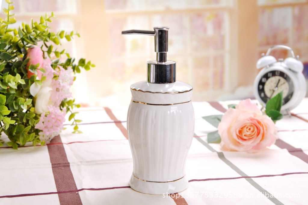 5 sztuk akcesoria łazienkowe obejmuje 1 uchwyt na szczoteczkę do zębów 2 suszarki 1 mydelniczka 1 dozownik złoty obręczy biały ceramiczny europa Style