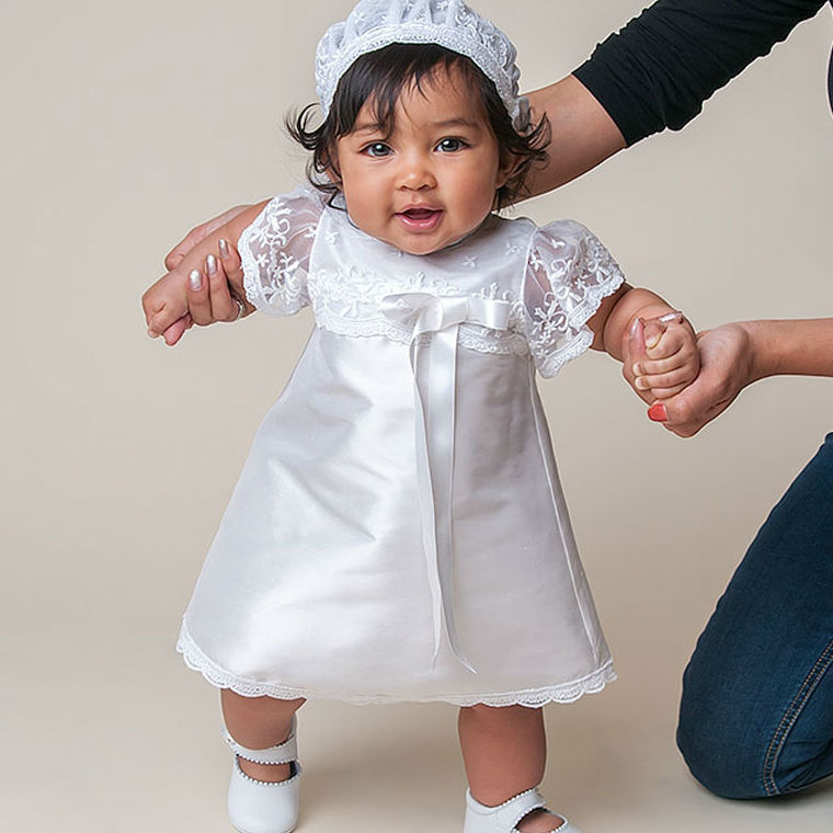 Baby Christening Dresses Knee-length white lace pattern summer Short Sleeves Hot Sale Baby Girl Baptism Gowns vestidos infantis with hat baby christening dress empire waistline short sleeves lace appliques ruffled baby girl baptism birthday gowns hot sale