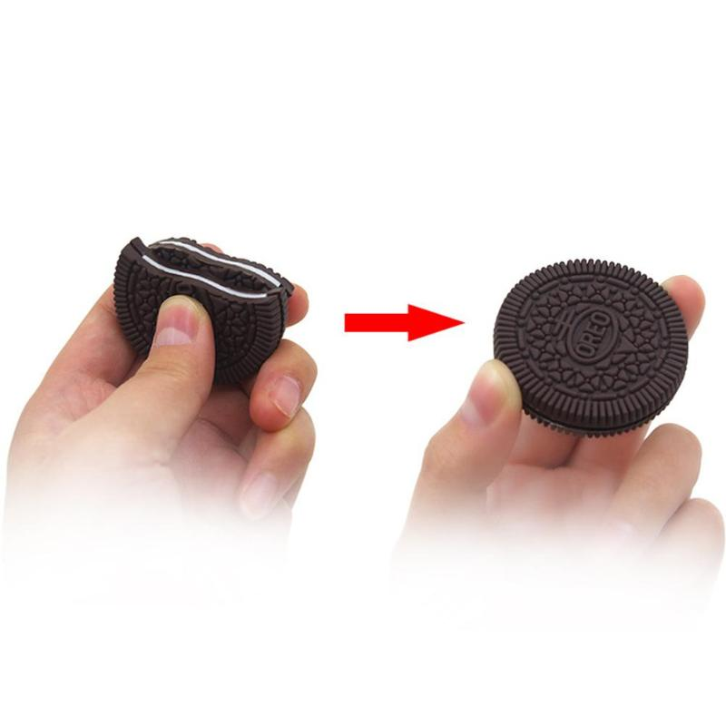 2019 New 4.5cm Funny Magic Close-Up Cookie Street Trick Biscuit Bitten And Restored Gimmick OREO Bite Children Toy