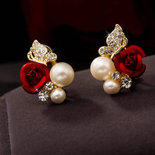 1 Pair Red Rose Flower Imitation Pearl Plated Crystal Stud Earring10.29(China)