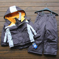 Горячие продать Небольшой childten лыжный костюм мальчики зимой На Открытом Воздухе водонепроницаемый хлопок проложенный толстые теплые куртки + брюки 2 шт./компл.