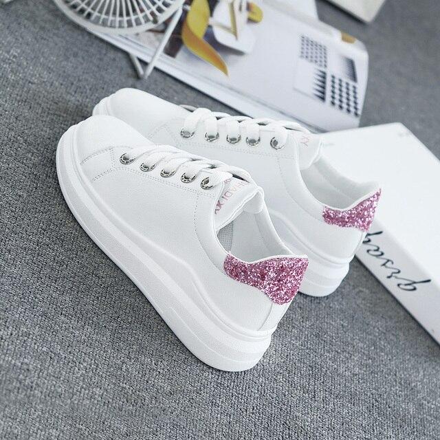 826ae14b0 Mulheres das Sapatilhas 2018 Primavera Outono Coreano Moda Sapatos Casuais  Mulher Tênis Branco Sapatos Baixos Mulheres