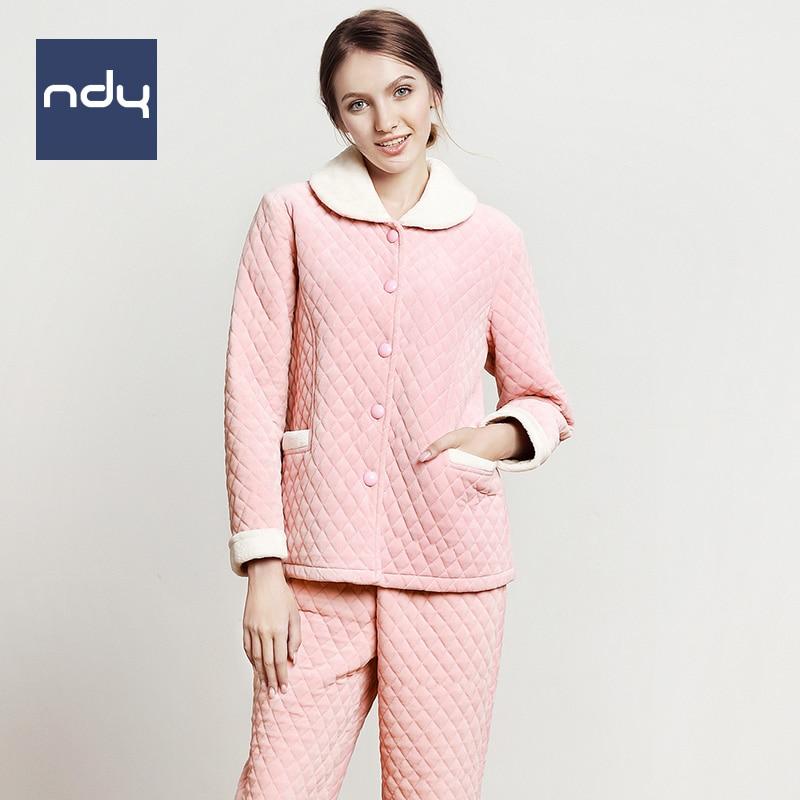 8809c21797 Ndy Coral polar Acolchado pijamas pareja pijama para las mujeres Parejas  Traje de Gruesa ropa de dormir de punto mantener caliente Invierno de Los  Hombres ...