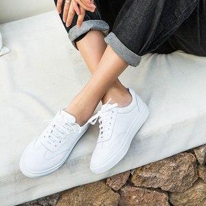 Image 4 - Женские туфли из натуральной кожи на плоской подошве, модные женские белые туфли на шнурках с закругленным носком из коровьей кожи с коробкой, 29017